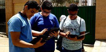 التعليم تنفي استبدال امتحانات مايو للصفين الاول والثاني الثانوي بأبحاث