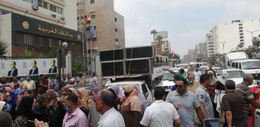 محافظ الغربية يقود مسيرة بالسيارات للحث على المشاركة في الانتخابات