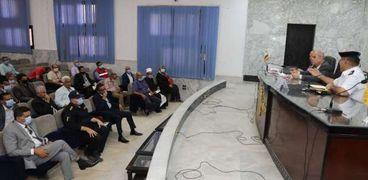 محافظة سوهاج تبحث الاستعداد لإجراء انتخابات مجلس الشيوخ