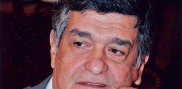 الدكتور نبيل حلمي