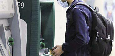 البنوك تتخذ إجراءات احترازية لخفض تأثر الأداء المالى بـ«كورونا»