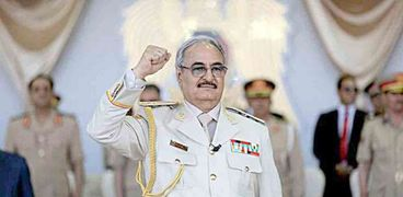 قائد الجيش الوطنى الليبى خليفة حفتر