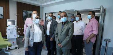 محافظ الإسماعيلية ووزيرة الصحة