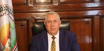 السيد القصير وزير الزراعة واستصلاح الاراضي