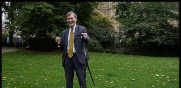 النائب البرلماني عن حزب المحافظين الحاكم، ديفيد أميس قبل وفاته جراء حادث طعن