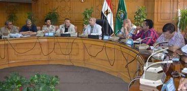 محافظ الإسماعيلية 43 مركز شباب ونادى رياضي في استقبال جماهير المنتخب الوطنى غدا.