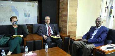 اجتماع وزير الري السوداني مع القائم بأعمال السفارة الأمريكية بالخرطوم
