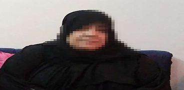"""سيدة تترك منزل ابنتها لتعيش في """"محطة مصر"""": مش عايزة أبقى تقيلة على حد"""