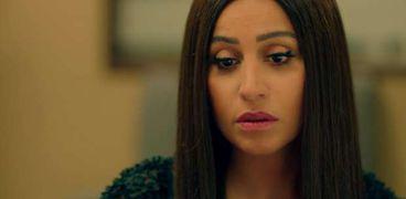 دينا الشربيني في مشهد من مسلسل لعبة النسيان