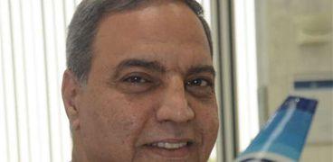 صفوت مسلم رئيس الشركة القابضة لمصر للطيران
