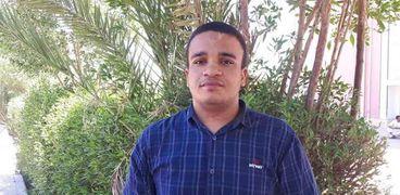 الطالب أحمد هاني الذي اسبتعد من كلية الطب لإعاقته