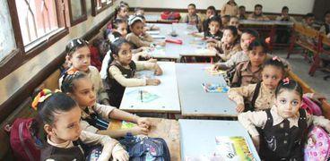 بالأرقام.. فاتورة الزيادة السكانية على التعليم: 33 ألف مدرسة جديدة