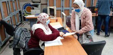 الطلاب أثناء سحب استمارات الترشح للانتخابات الخميس الماضي
