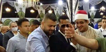 الشيخ المقريء محمود الشحات مع الفنان محمد رمضان