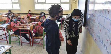 إجراءات احترازية مشددة بالمدارس لمواجهة فيروس «كورونا»