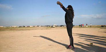 بمشاركة 40 منها.. انطلاق مسابقة «حورس للصقور» في صحراء برج العرب «صور»