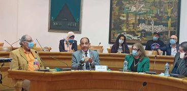 """الدكتور خالد عبدالجليل في ندوة """"الدراما وبناء الإنسان"""""""
