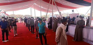 وفد من جامعة الدول العربية يتفقد إقبال الناخبين بمدينة الشروق
