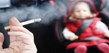 أضرار التدخين على الطفل الرضيع