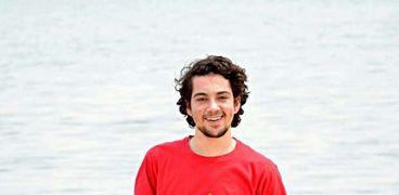 الكاتب الشاب محمد حسن خليفة