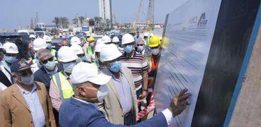 وزير النقل يتابع معدلات تنفيذ عدد من المشروعات بميناء الاسكندرية
