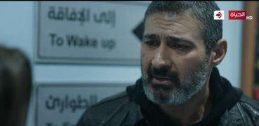 الفنان ياسر جلال في مشهد من مسلسل ضل راجل