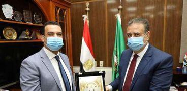 محافظ المنوفية يكرم مدير الأمن الوطني في المنوفية