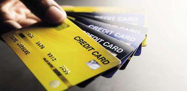 البطاقات الائتمانية