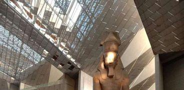 تعامد الشمس على وجه رمسيس بالمتحف المصري الكبير
