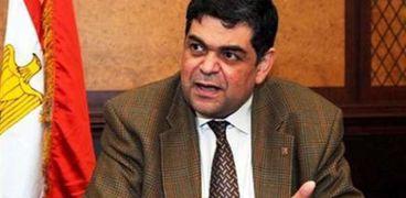 الدكتور أشرف حاتممستشار الحكومة المصرية لدى الجامعة الأمريكية بالقاهرة