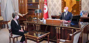 الرئيس التونسي قيس سعيد يستقبل نجلاء بودن رئيسة الحكومة التونسية الجديدة