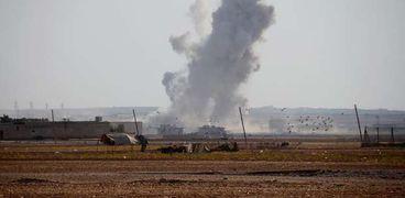 الاحتلال التركي يجدد اعتداءاته بالمدفعية على بلدة «عين عيسى» السورية