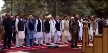 لحظة انفجار الصاروخ بجوار القصر الرئاسي الأفغاني في كابل