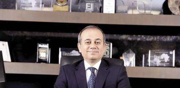 محمد على، المدير التنفيذى والعضو المنتدب للبنك