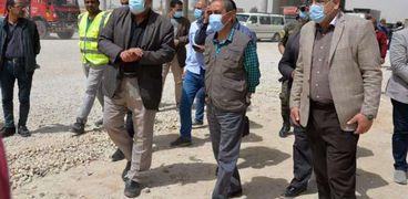 محافظ الإسماعيلية اللواء شريف بشارة يتفقد طريق السويس