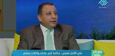 الدكتور محمد عبداللطيف أستاذ الأثار وعميد كلية السياحة في جامعة المنصورة