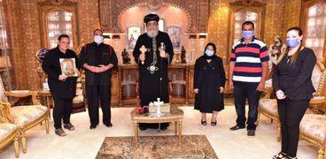 """البابا مع أسرة شهيد """"البرث"""""""