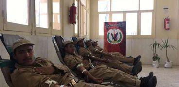 حملة للتبرع بالدم بمشاركة ضباط وأفراد ومجندى قطاع السجون