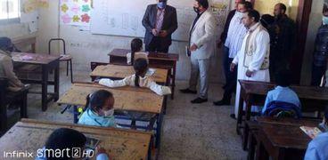 وكيل تعليم مطروح ولجنة الجودة خلال زيارة مدرسة السلوم الابتدائية