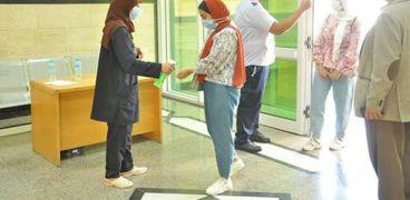 طلاب جامعة كفر الشيخ في اول يوم دراسي