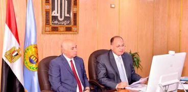 محافظ أسيوط يستعرض الموقف التنفيذى للمشروعات التنموية والخدمية أمام رئيس مجلس الوزراء