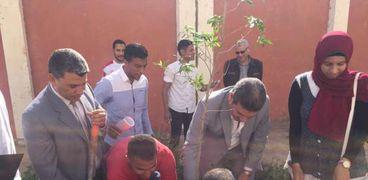 اعمال تشجير بجامعة المنيا