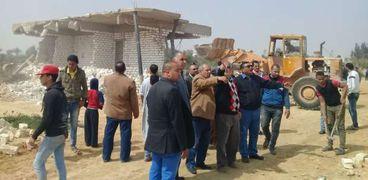 استمرار حملات إزالة العقارات المخالفة والتعديات على الأراضى بالإسكندرية