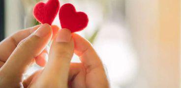 الحب بين الولد والبنت..الافتاء توضح المشروعية
