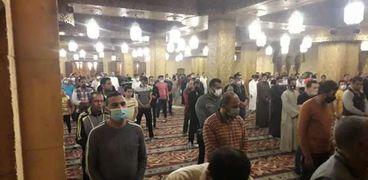 الصلاة داخل المساجد