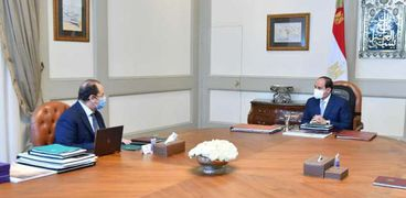 """""""اجتماع الرئيس عبد الفتاح السيسي اليوم السيد عباس كامل رئيس المخابرات العامة""""."""