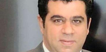 خالد عزيز