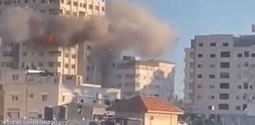 اللحظات الأولى لقصف الاحتلال الإسرائيلي لـ«برج مشتهي» في قطاع غزة