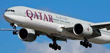 بعثة المنتخب القطري لكرة اليد تصل مطار برج العرب وسط إجراءات أمنية ووقائية مشددة
