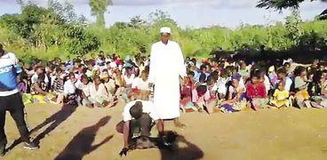 «المبادرة» تقدم لحوم الماعز للفقراء فى القارة السمراء